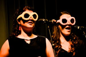 Total Vocal Nora und Daniela singend